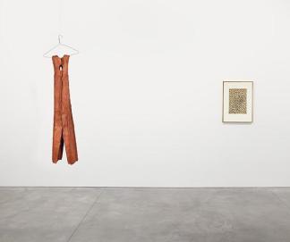 Claes Oldenburg's Clothespin—4 Ft.(1975)